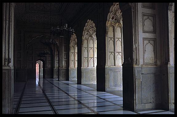 Inside the Badshahi Mosque  Lahore  PakistanInside Badshahi Mosque