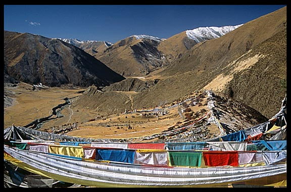 Overview of the main d�rtro at Drigung Til monastery , the holiest sky-burial site in the Lhasa region.